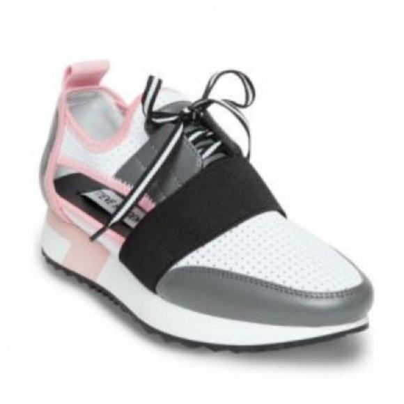 Steve Madden Shoes   Arctic Cut Out